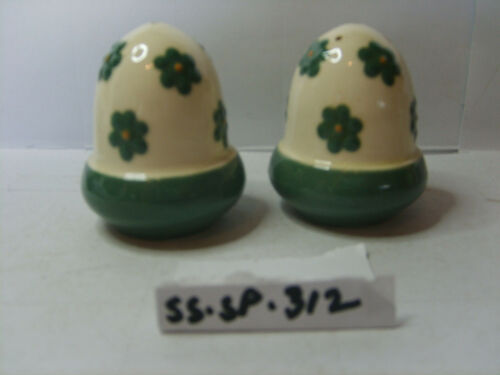 acorn shape salt and pepper shakers