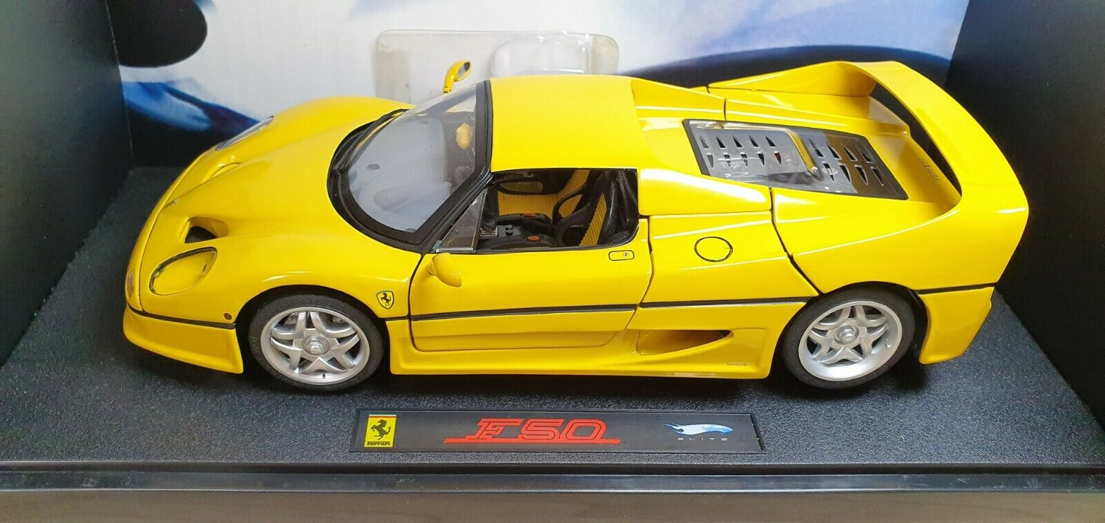 1 18 Hot Wheels Elite FERRARI F50 Gelb diecast car model