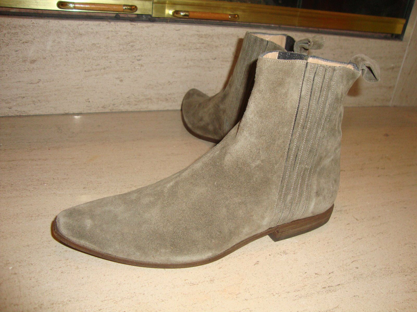 STYLISH NEW & SUPER RARE MICHEL PERRY OLIVE SUEDE ANKLE BOOTS (NWOB)