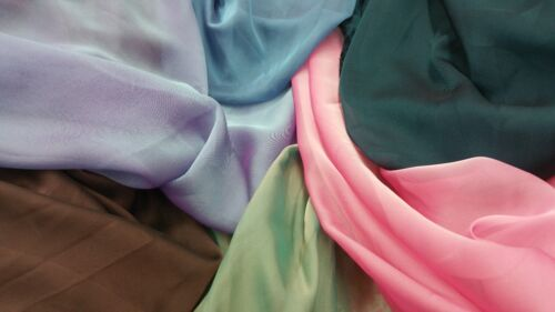 NEW*TOP QUALITY TWO-TONE SILKI CHIFFON SOFT AND LIGHTWEIGHT 56/'/' WIDE FREE P/&P