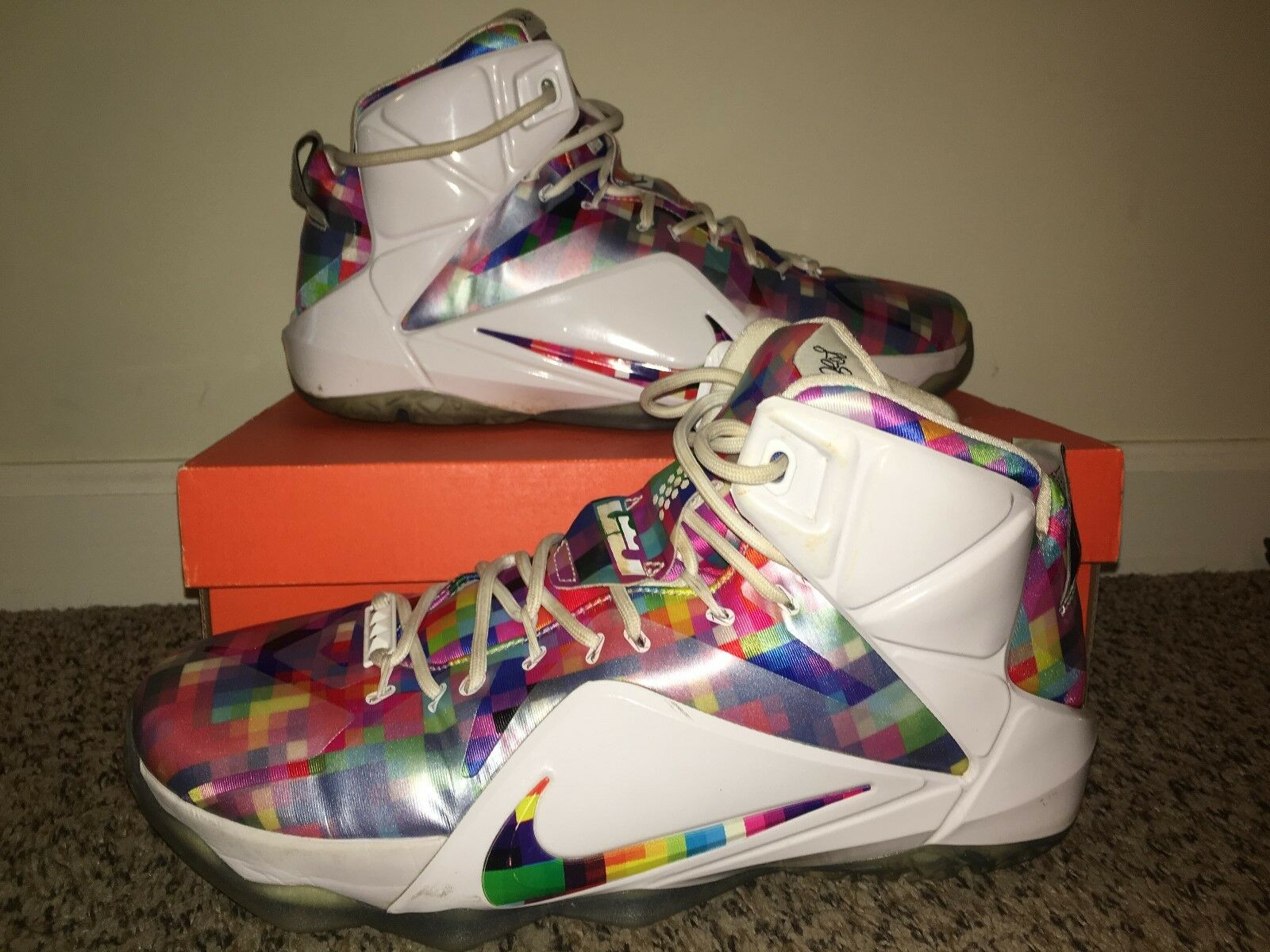 Men's Nike Lebron XII, Multicolor, size 10.5, practically brand-new