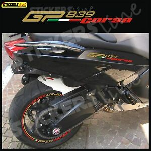 adesivi-carena-laterale-GILERA-GP-800-839-CORSA-GP-839