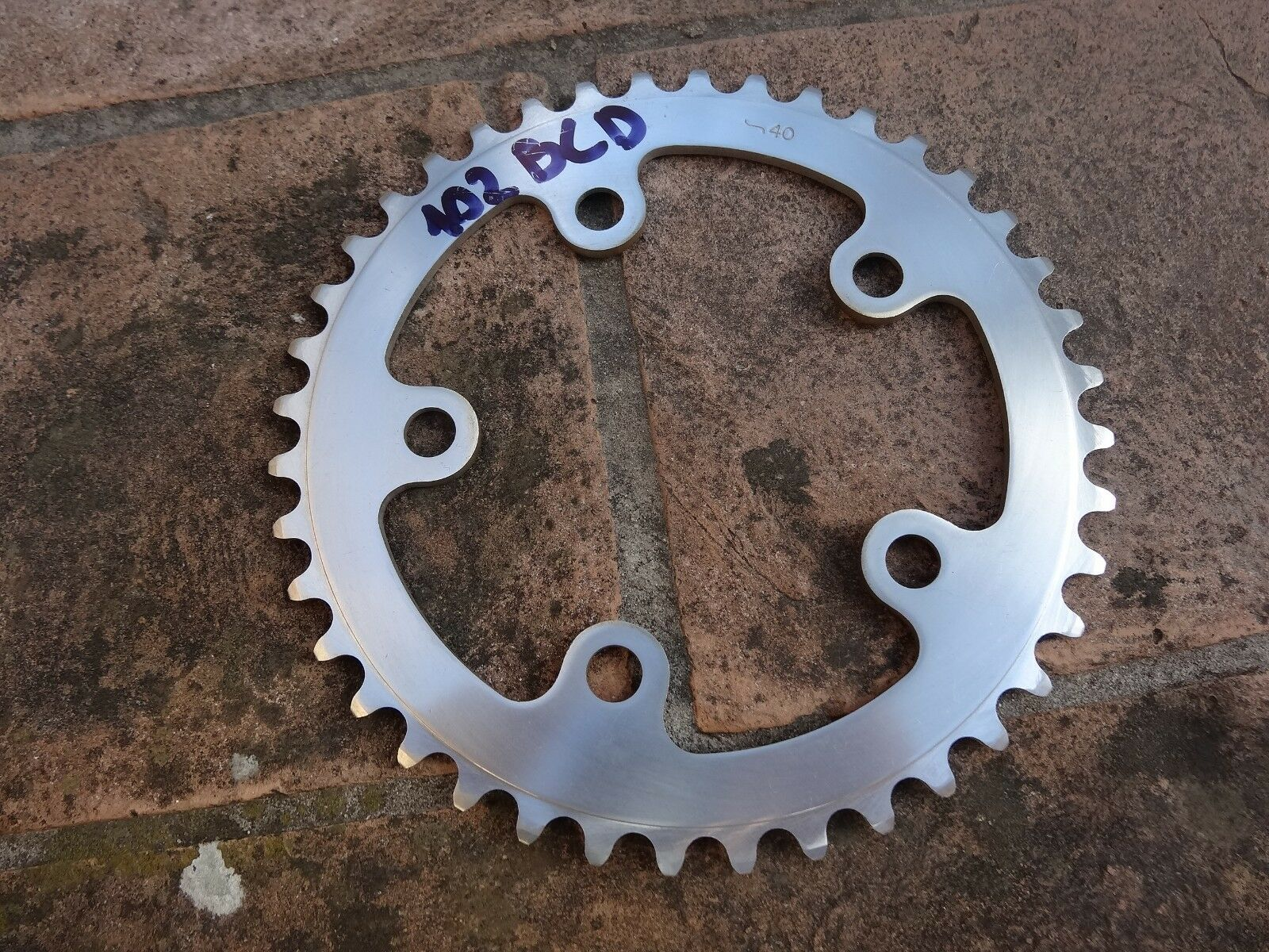 NOS  Ofmega chainring 40T   102 BCD for triple crank