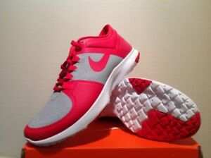 Nike FS Lite Trainer ( Red ) New size 9 1/2  (no box cover)
