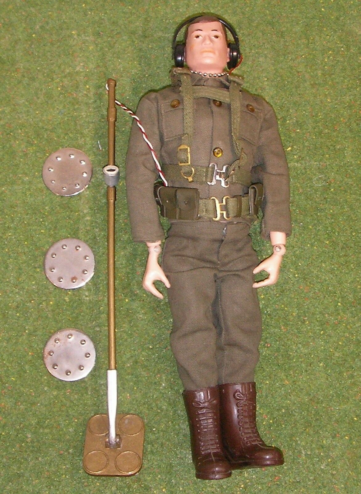 ORIGINAL VINTAGE ACTION MAN LOOSE MINE DETECTOR PAINTED HEAD 117