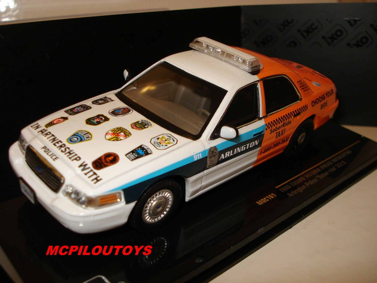 IXO MOC161 FORD CROWN VICTORIA ARLINGTON POLICE SOBER RIDE 2012 au 1 43°