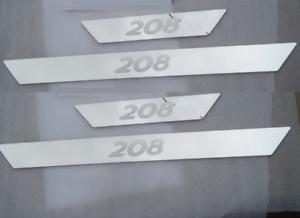 Set-4-Battitacco-con-scritta-208-protezione-soglia-entrata-Peugeot-battitacchi