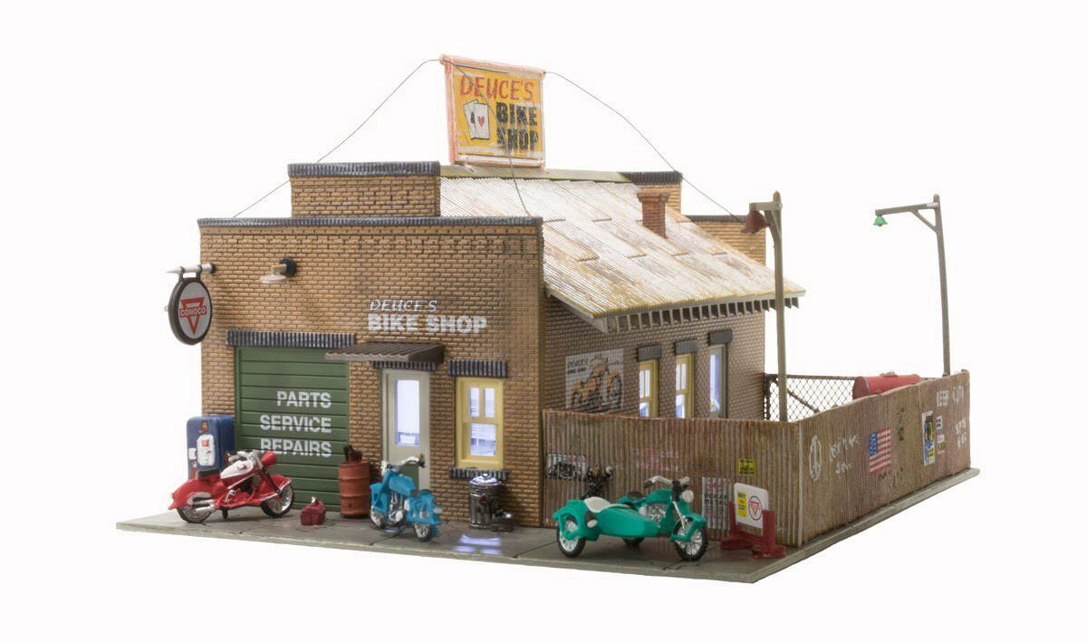 Woodland Scenics BR5045, HO Scale, Built-Up Deuce's Cycle Shop