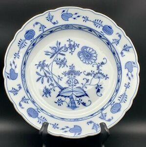 """Antique Staffordshire Meissen Blue Onion Hand Finished Plates 9 1//4/"""" dia"""