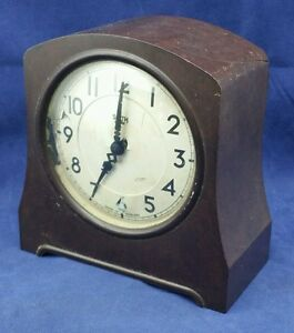 Vintage Art Deco Bakelite Electric Clock For Repair Antiques Art Deco