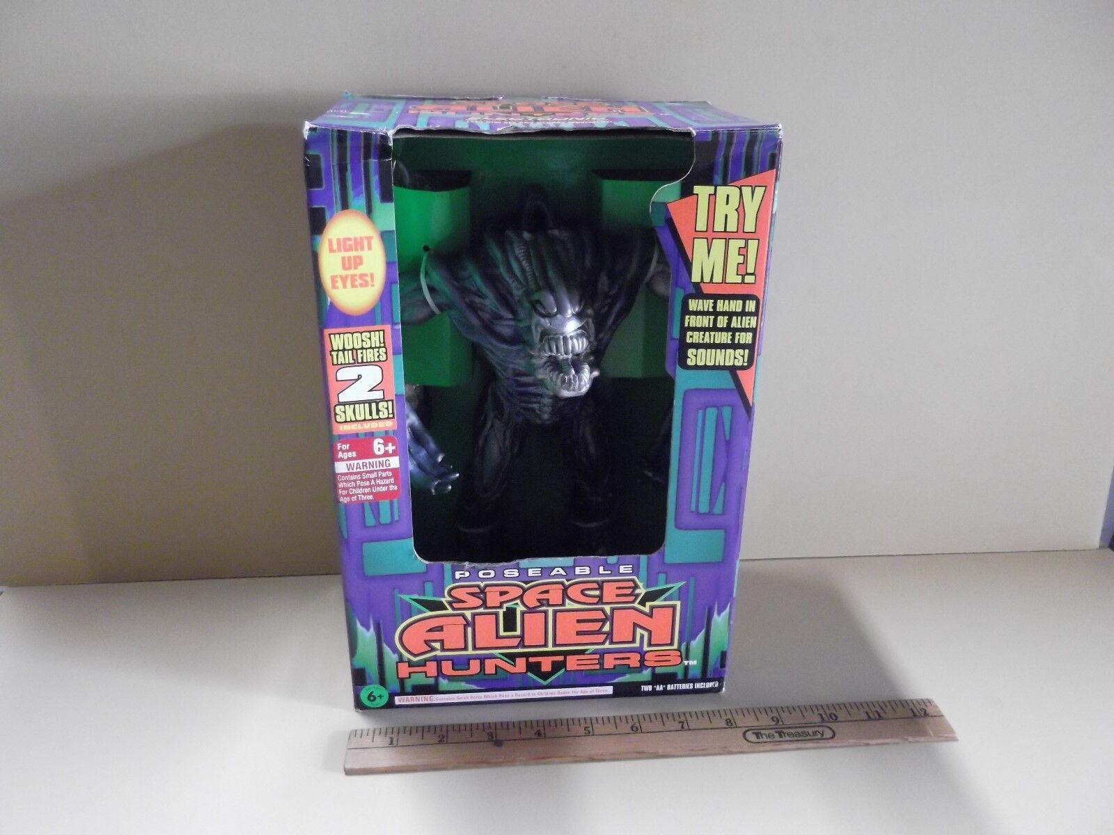 Poseable Space Alien Hunters 12