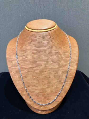 2.5 MM 10k Gold Necklace White Gold Singapore Chain 22 Inches 1.5 MM