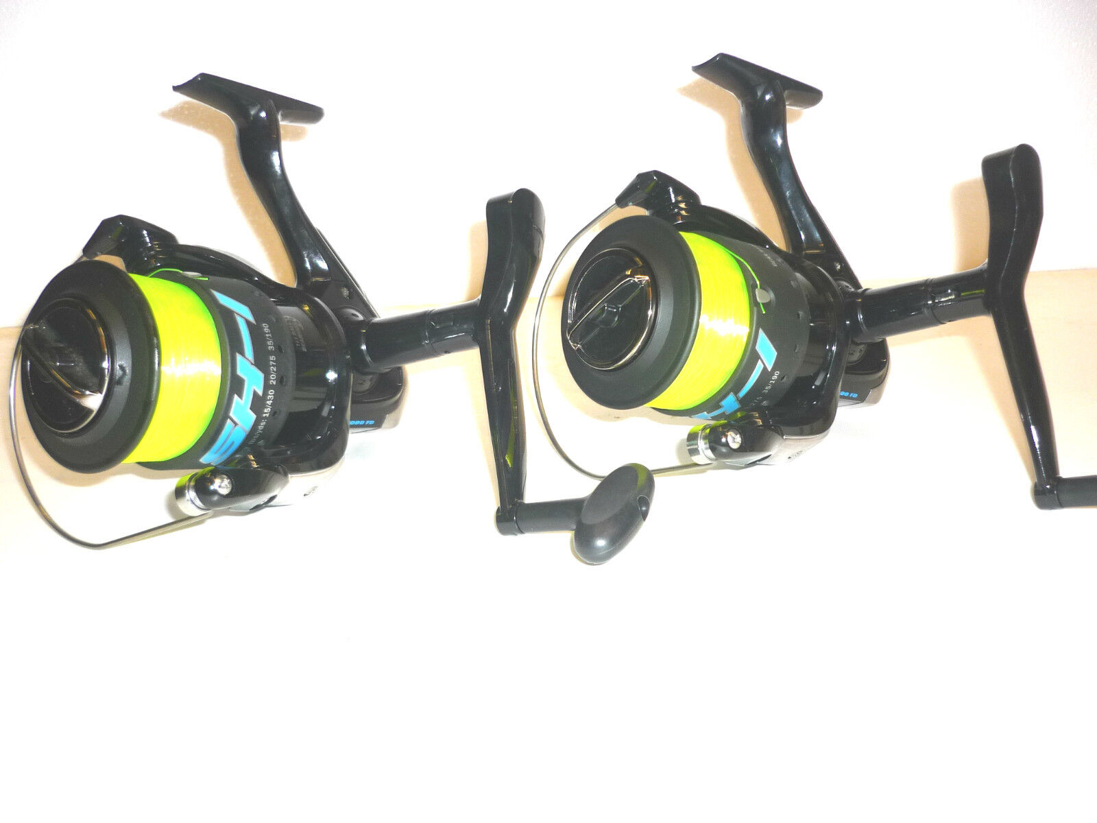 2 x  Lineaeffe Beach Casting Fishing Reels with Yellow 20lb Line Free P&P