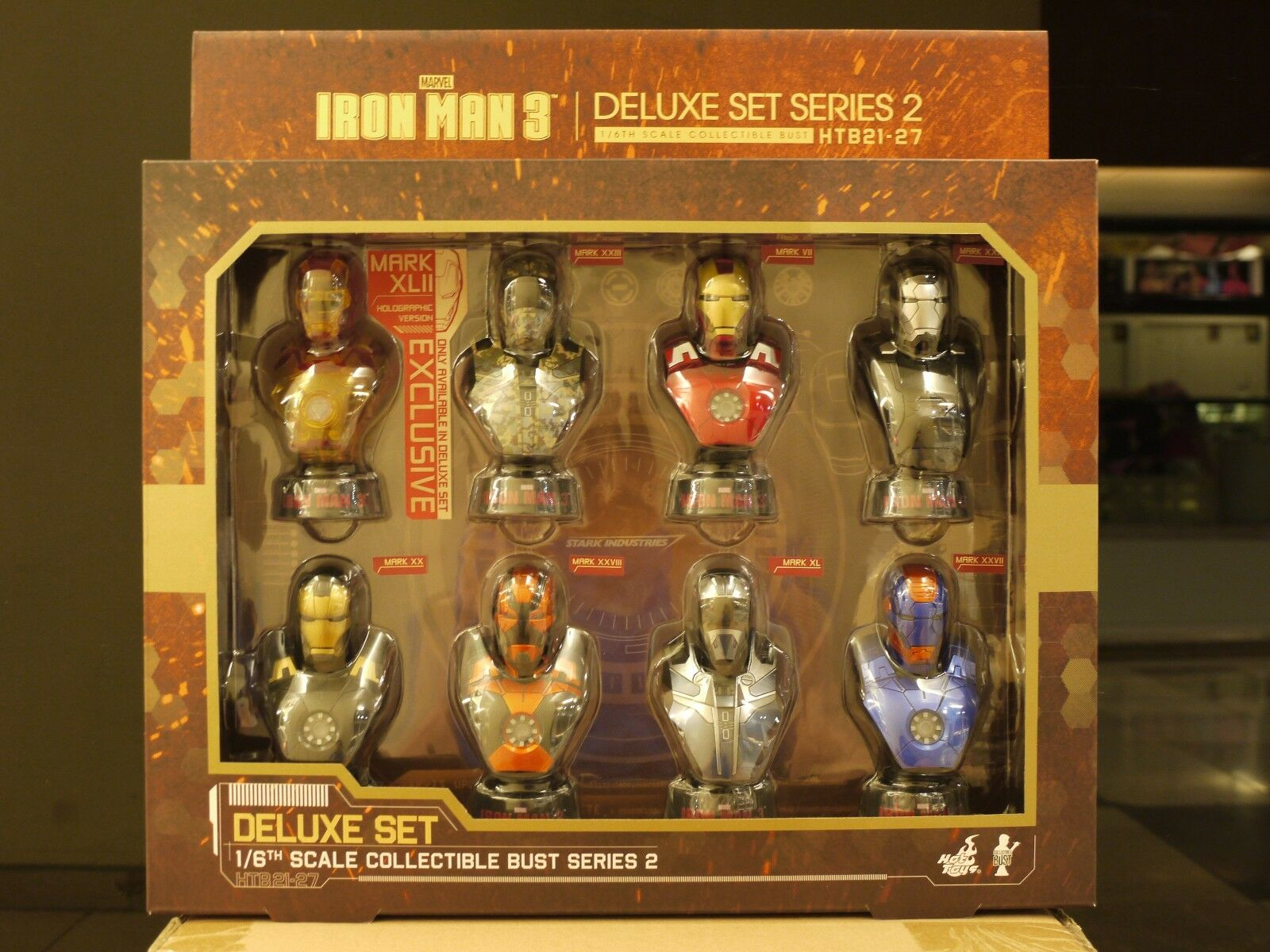 Hot Toys - Iron Man 3 - 1 6 Scale Collectible Bust Deluxe Set Series 2 (New)