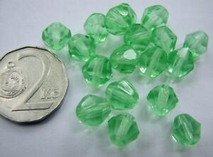 URANIUM Czech Vaseline glass fire polished faceted round beads 7mm 50 pcs.