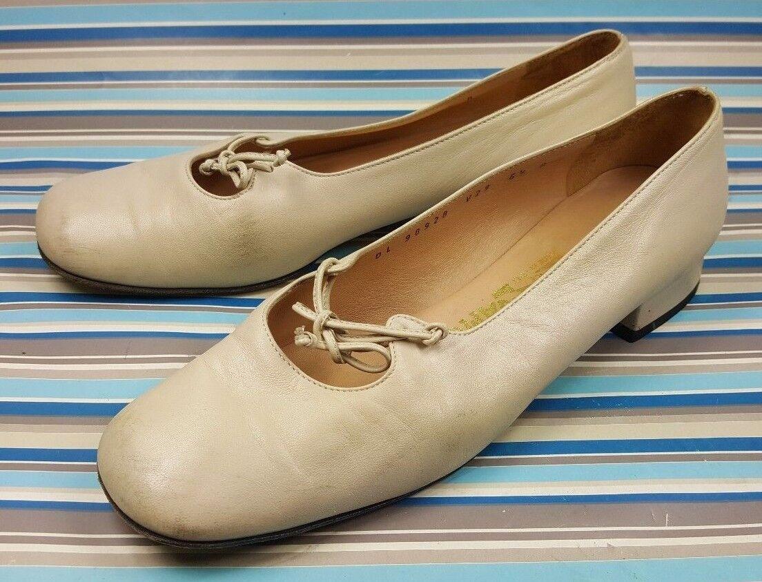 Salvatore Ferragamo Moccassins Loafers Slip On Women's shoes 6.5 B