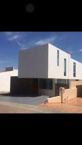 Casa en Venta en Bugambilias, 3 Recamaras