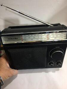 VINTAGE RADIO TOSHIBA 3 BANDS  MW(-AM)-LW-FM 1950s-1980S + Mains Wire