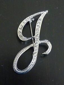 Diamante Gold Initial Letter P Fashion Brooch Pin Brand New FREE P/&P