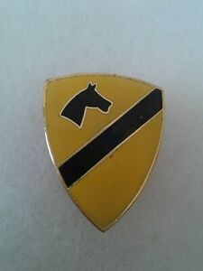 Authentic-US-Army-1st-Cavalry-Special-Troops-Insignia-DUI-DI-Crest