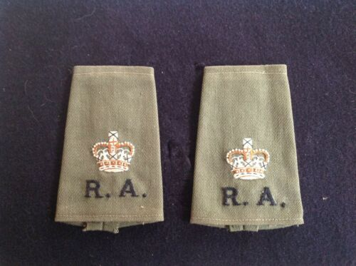 ROYAL ARTILLERY OFFICERS SLIP ON CLOTH RANK TITLE WITH EMBROIDERED CROWN