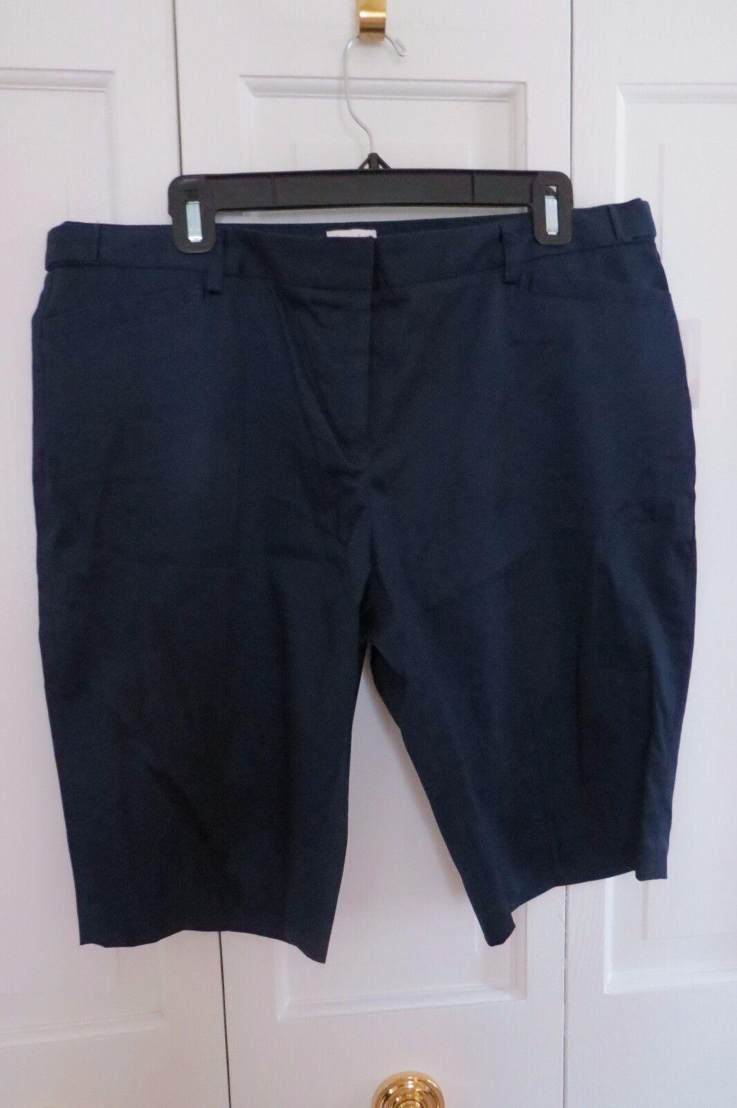Laundry Navy bluee Bermuda Shorts – NWT – 14