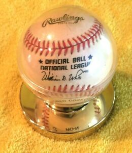 Warren-Spahn-Signed-Rawlings-Official-NL-Baseball-in-Display-Case