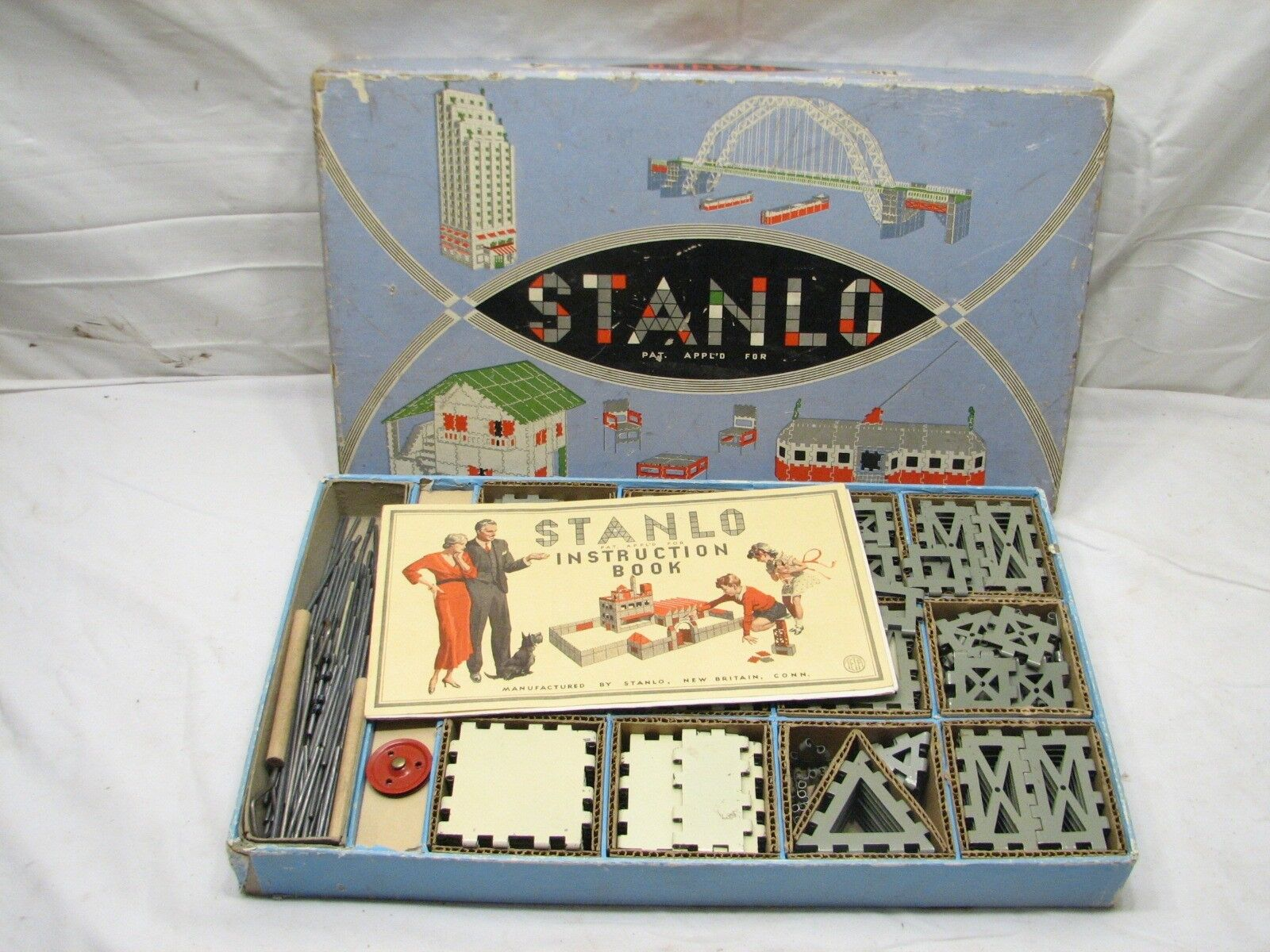 Stanlo No 4 Metal Construction Building Toy Set Stanley Tools w/Box Instructions