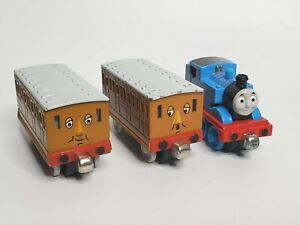Thomas & Friends Take Along N Play Die Cast Metal Train Clarabel & Annie Thomas