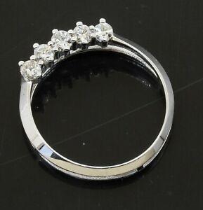 14K-white-gold-elegant-high-fashion-25CTW-VS2-G-diamond-circle-pendant