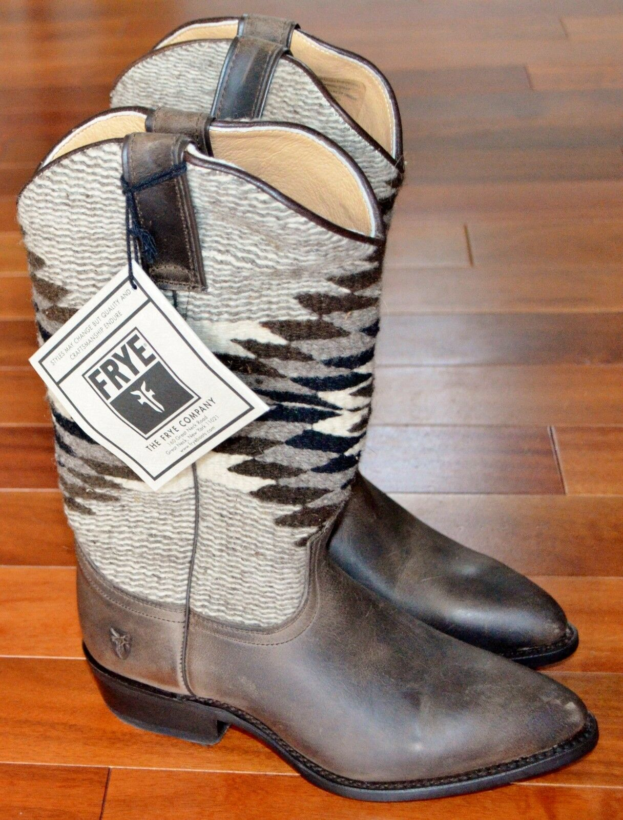 FRYE BILLY TALL NAVAJO HAND WOVEN PULL ON  Sz.6.5 (M) NWOB  ON WOW!!! 1fcc83