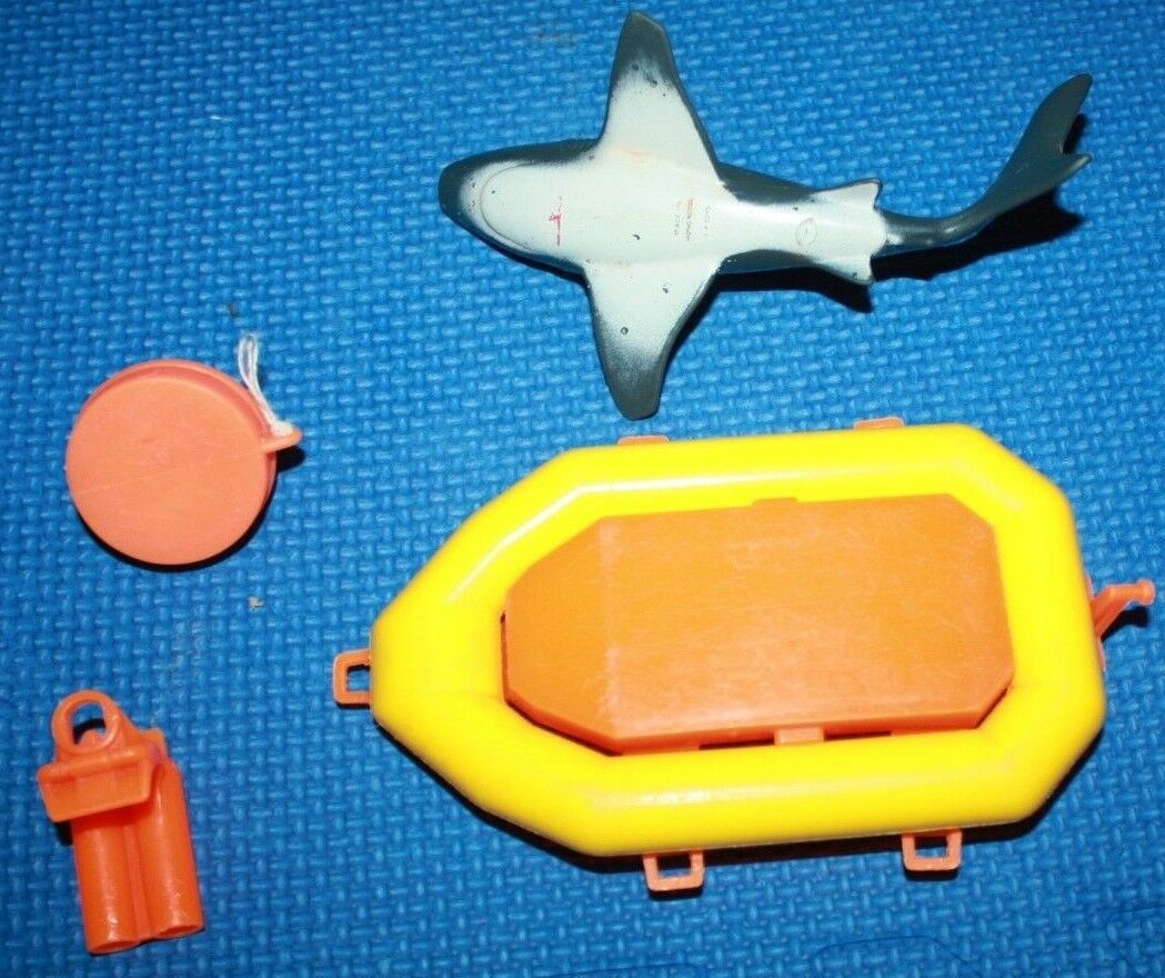 Fisher Fisher Fisher Price Explorer Boat with Extra Figures and Parts 75ab80