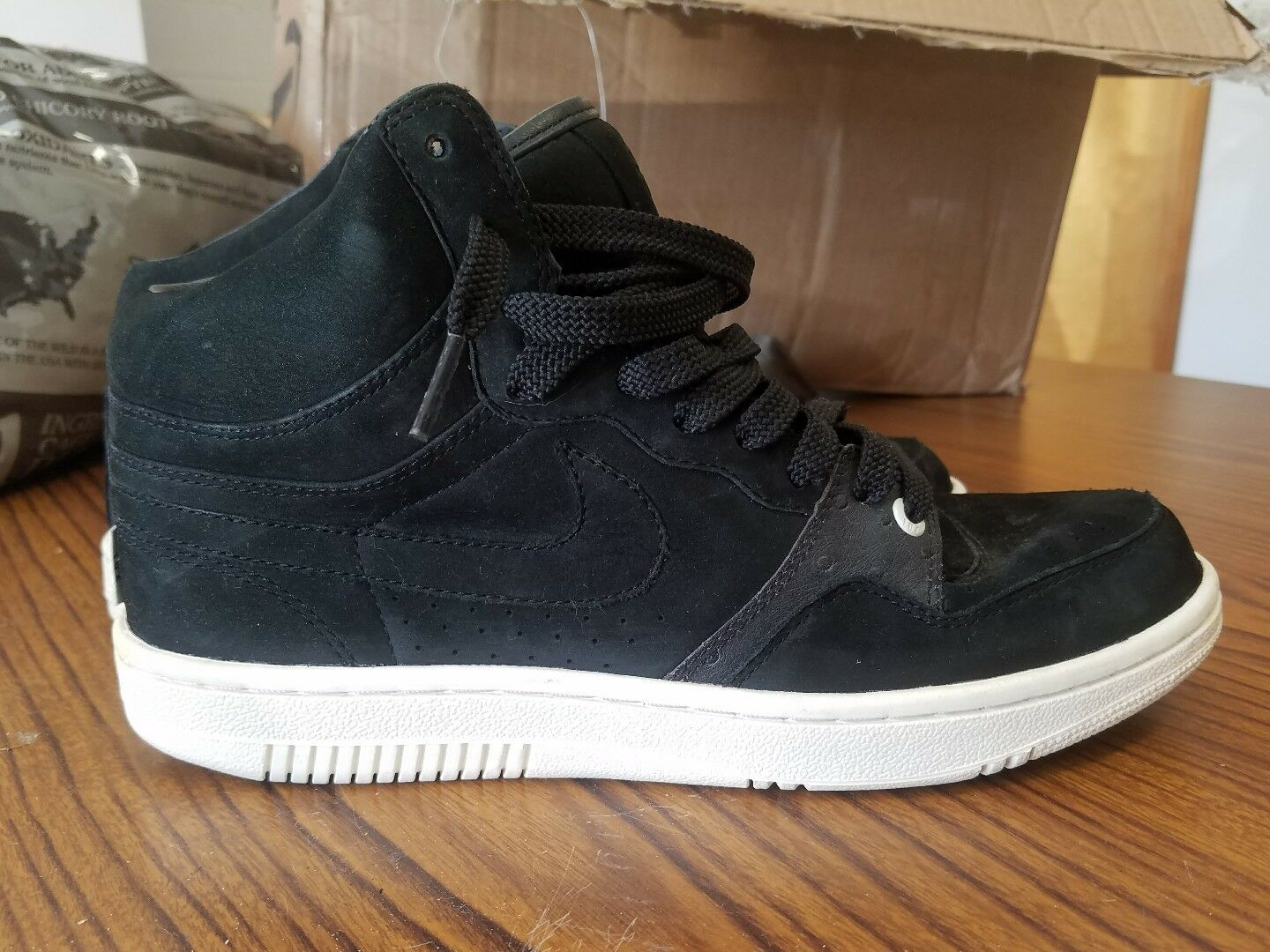 Nike Court Force High Lux Comfortable Comfortable and good-looking