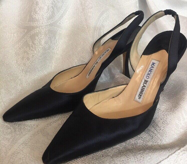 negozio outlet Manolo Blahnik scarpe scarpe scarpe Navy Satin Sling Dimensione 35 1 2  consegna diretta e rapida in fabbrica