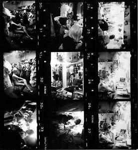 Moulin-Rouge-1960-3-planches-contact-argentiques-22x20cm-001