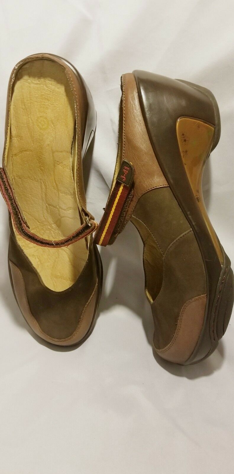 Sz 11, J-41 ADVENTURE ON Continental Brown Leather Mary Jane Wedge Mules