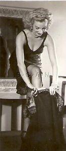 ORIGINAL VINTAGE 1940S-60S Risque Pinup Photo- Pulls Up