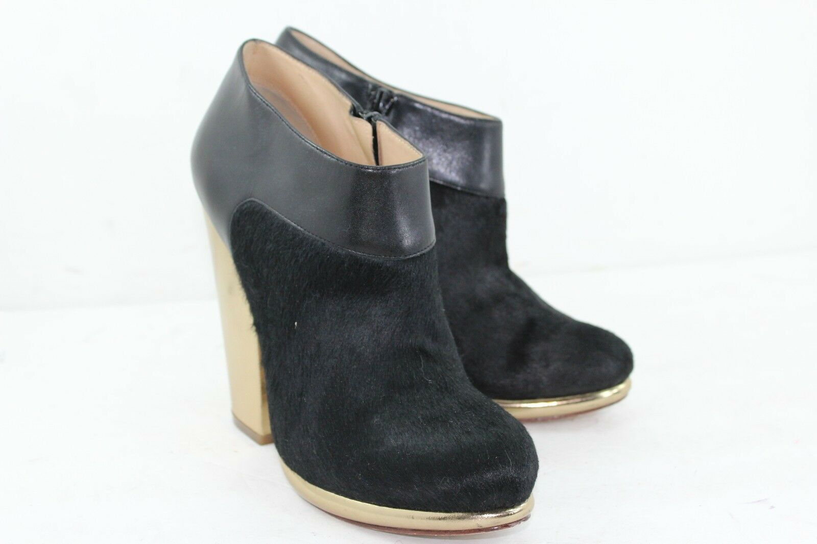 COLE HAAN REAL FUR DYED COW SIZE 8 B BALCK IN PRISTINE CONDITION