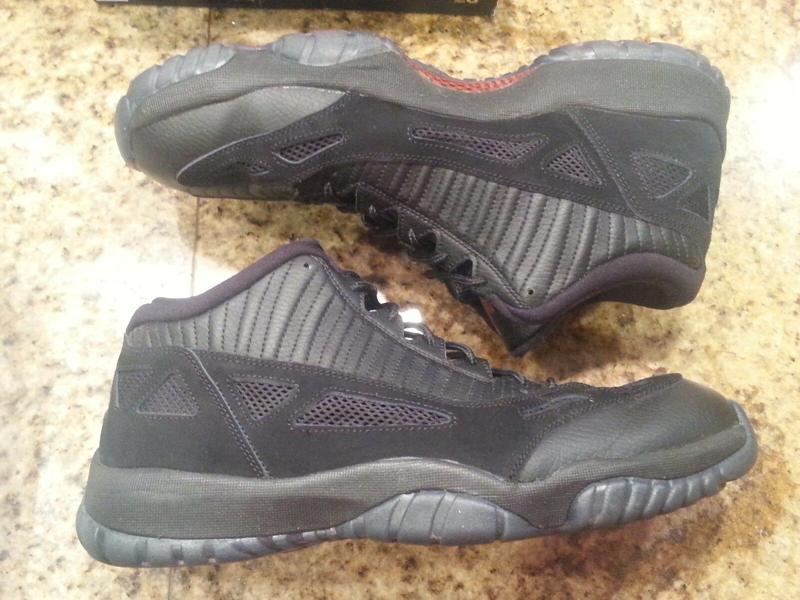 26dda5be9757b5 2015 Nike Air Jordan 11 XI Low Retro Bred Referee 306008-003 Size 12 for  sale online