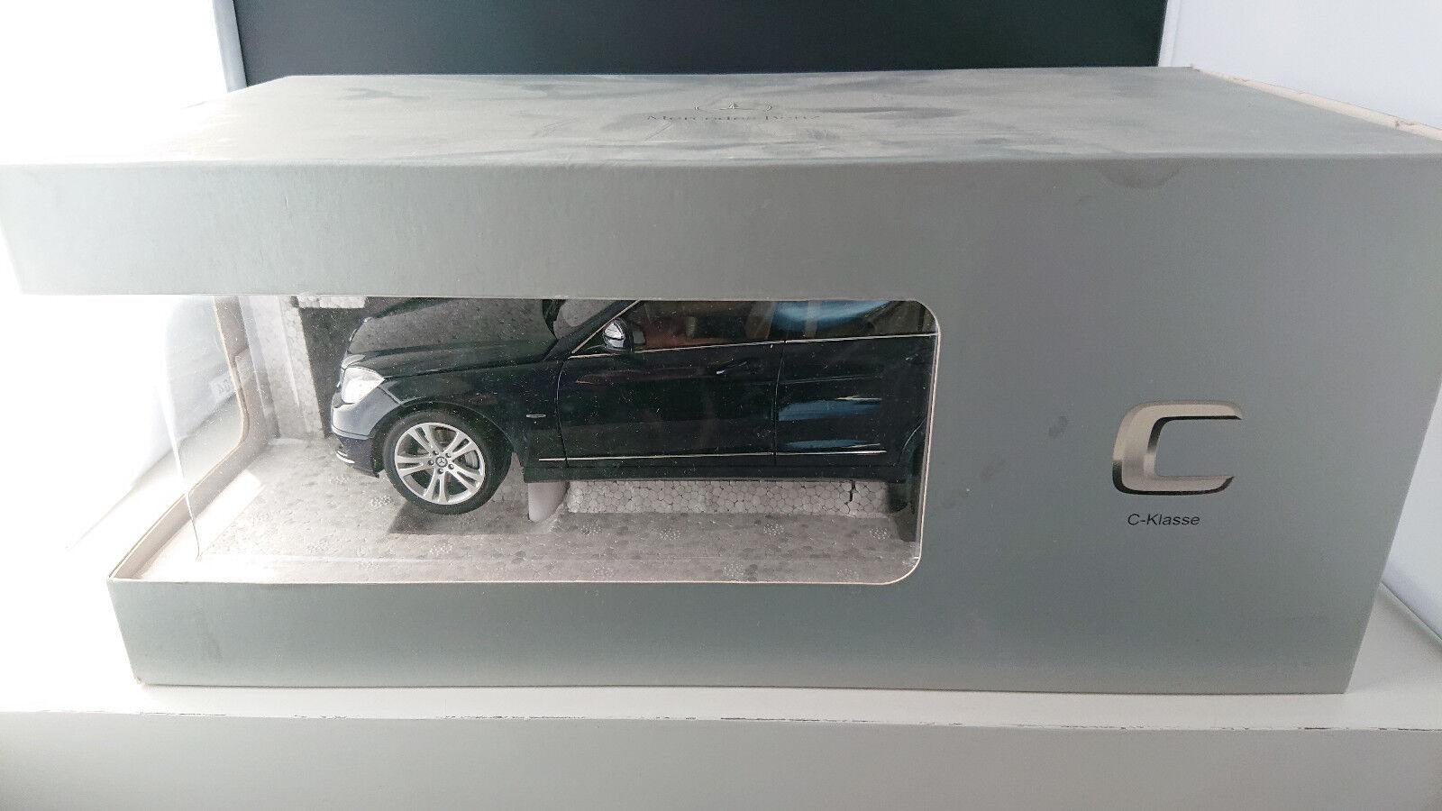 1 18 Autoart MERCEDES CLASSE C T-Modèle Avantgarde bleumet. s204 NEUF neuf dans sa boîte