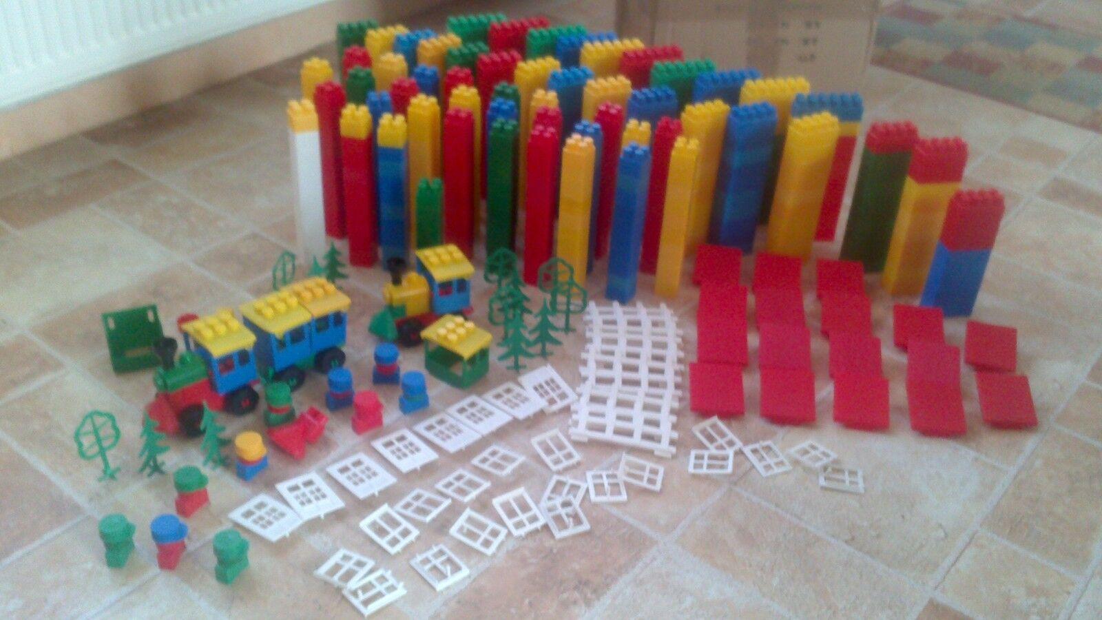 Riesiges Set mit Bausteinen aus Kunststoff von abrix