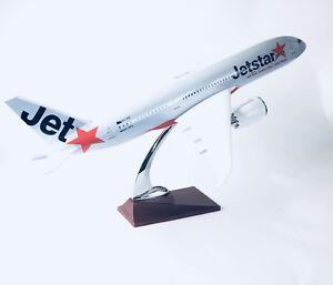 JETSTAR-787-DREAMLINER-B787-LARGE-PLANE-MODEL-SOLID-RESIN-2kg-apx-43cm-1-160