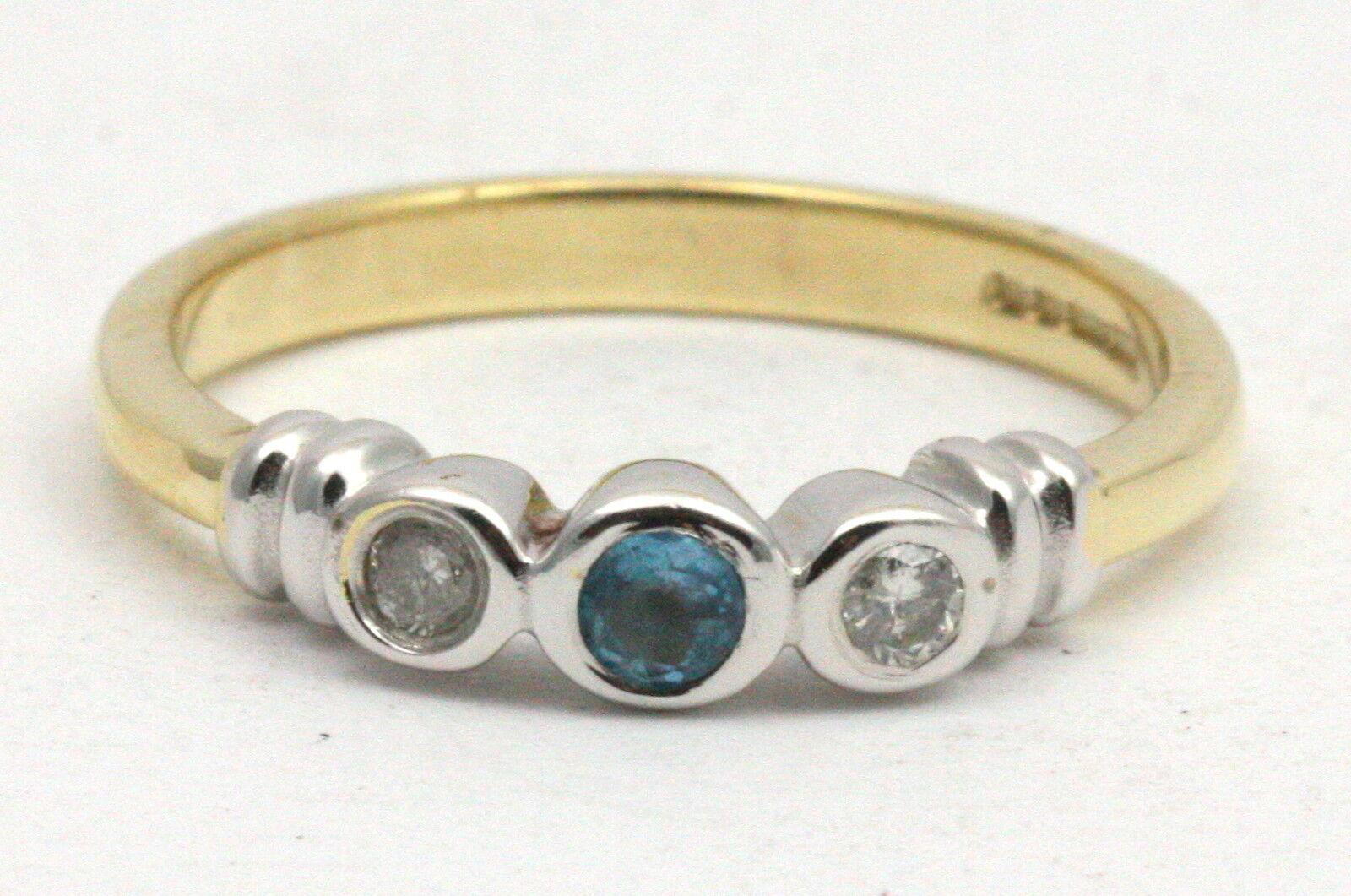 Bjc 9 Ct or yellow Topaze blue et Diamant Trilogie size M Bague de Fiançailles
