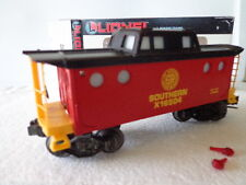 """LIONEL """"O"""" AND """"027 ROLLING STOCK SOUTHERN LIGHTED PORT HOLE CABOOSE X16504"""