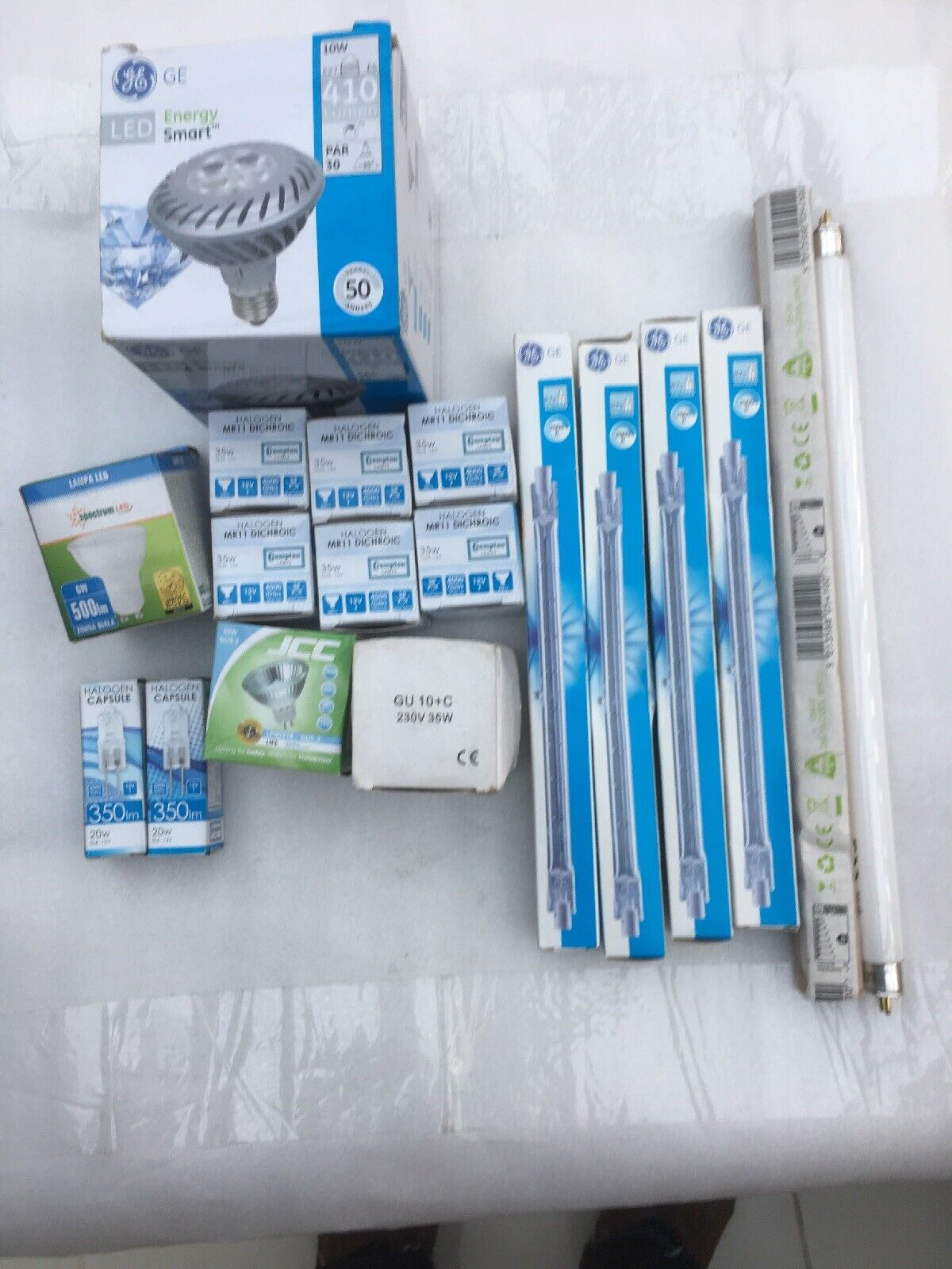 Joblot Of 18 Assortment Of Bulbs  Clearance
