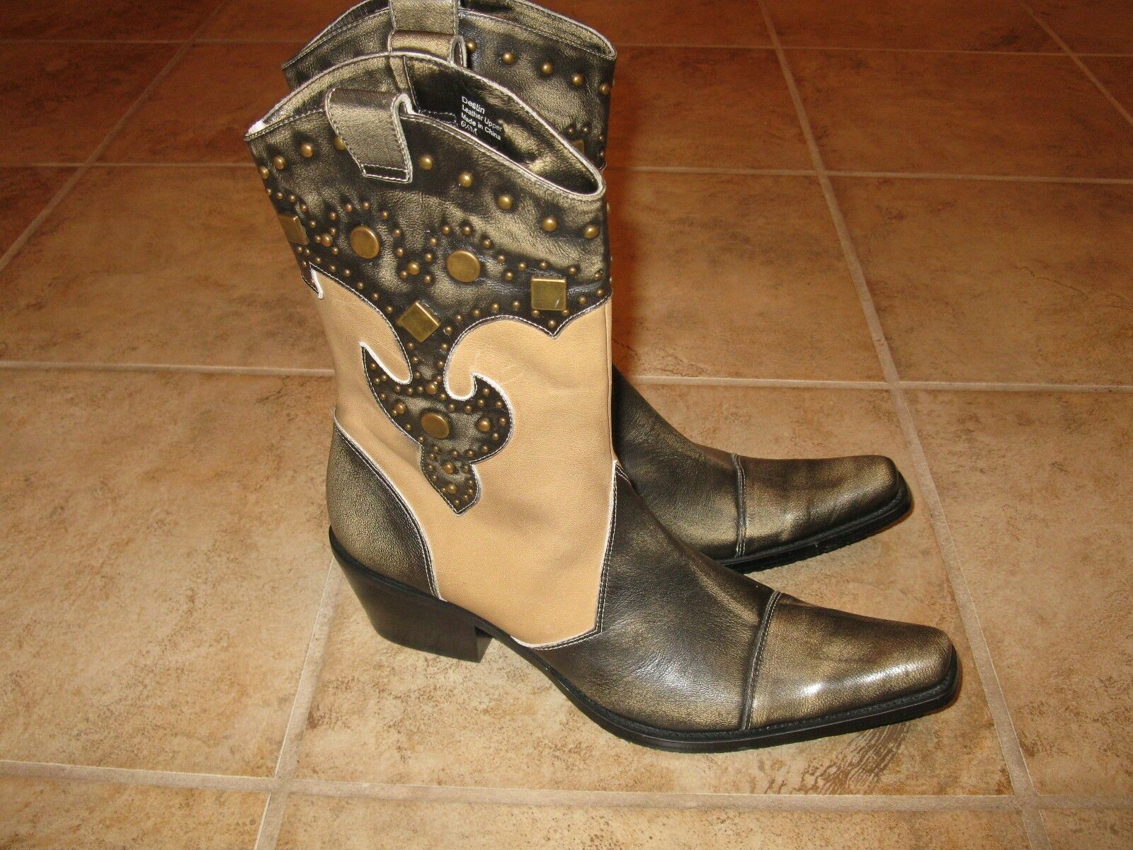 WOMENS SIZE 6.5 FASHION WESTERN BOOTS BY J. RENEE NWOB BEATUIFUL