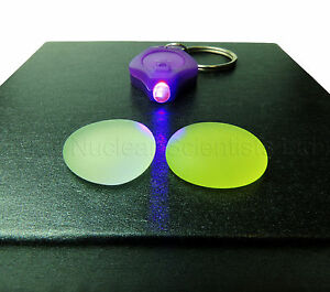 Uranium-Glass-2-Specimens-amp-1-UV-Light-Geiger-Counter-Check-Source-000023