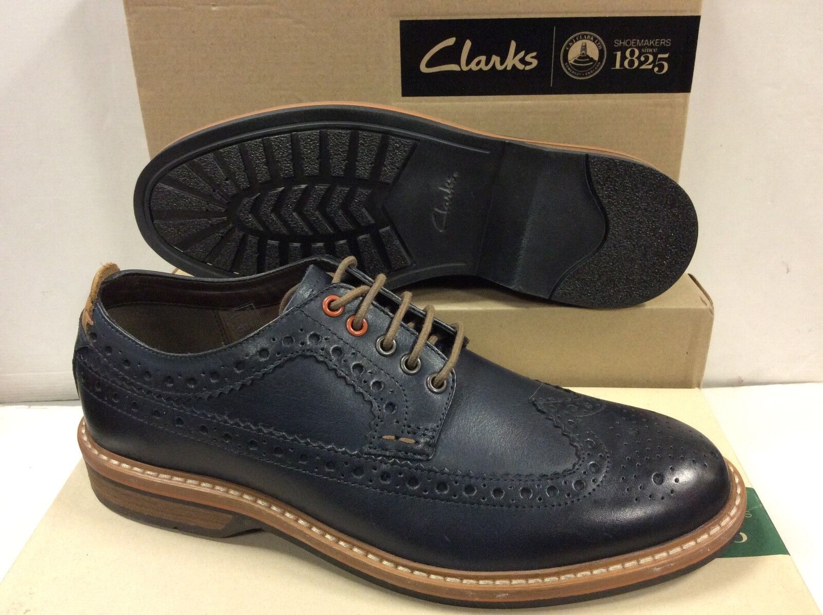 Clarks Pitney Navy bluee Leather Mens shoes, Size