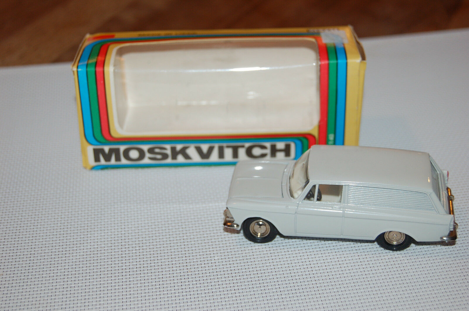 MOSKVITCH 434 CCCP 1 43  gris CLAIR RARE SUPERBE made in USSR