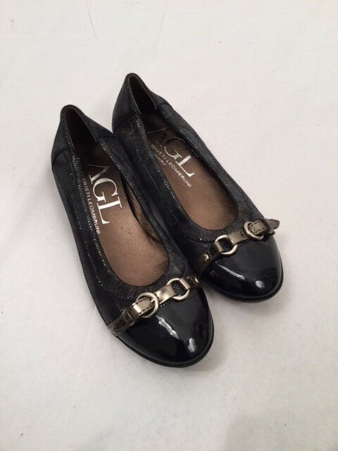 AGL Navy bluee Cap Toe Leather Ballet Flats with Silver Buckle 34.5 EUC